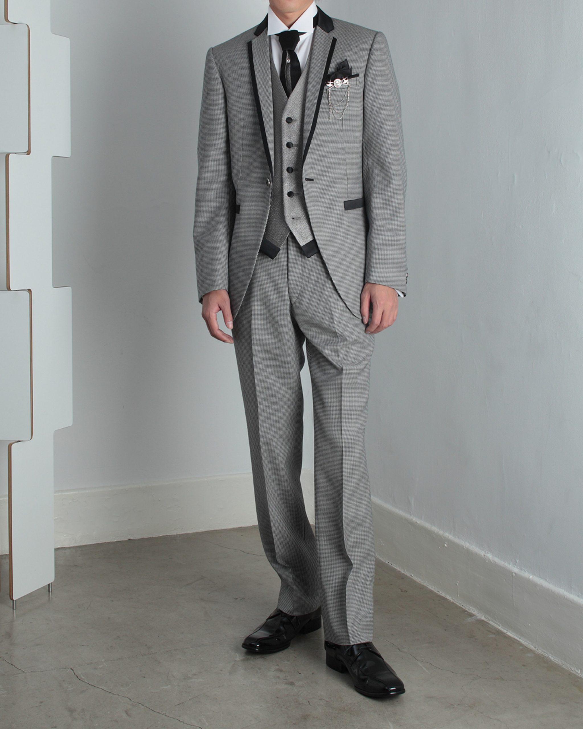 タキシードを着た男性 ビーエスウエディング